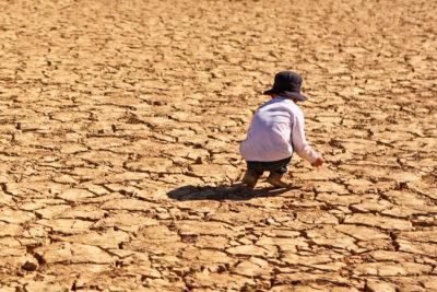 cambiamento climatico crisi climatica mette a rischio la vita dei bambini